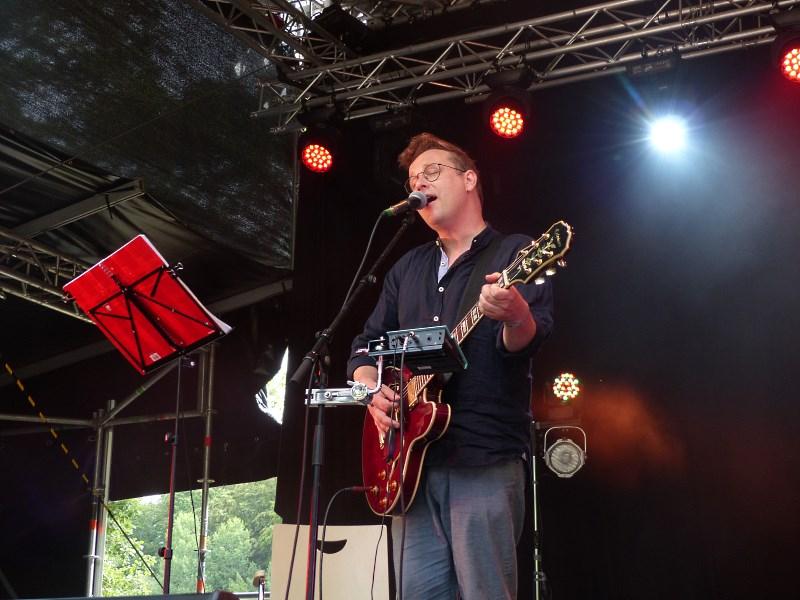 A Summer's Tale 2019, Sven van Thom / Tiere streicheln Menschen