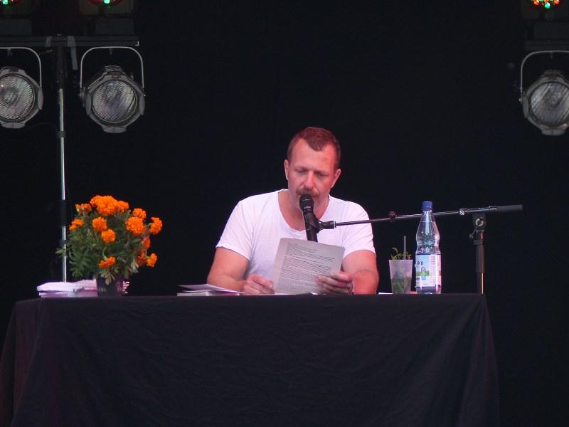 A Summer's Tale 2019, Martin Gotti Gottschild / Tiere streicheln Menschen